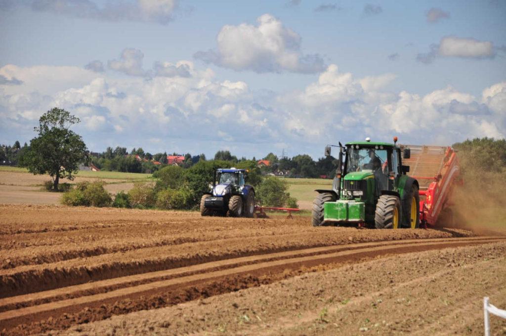 """Długie """"życie"""" części do maszyn rolniczych"""
